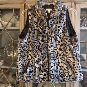 Fashionable L leopard faux fur vest
